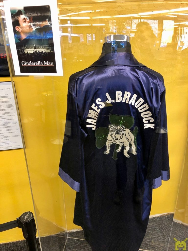 The boxing gown Russell Crowe wore in the movie Cinderella Man